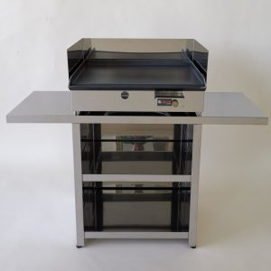 Freestanding gas grills